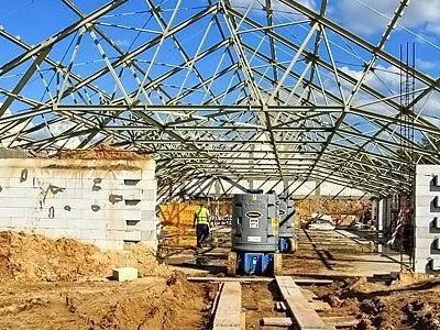 budowa biedronki 10