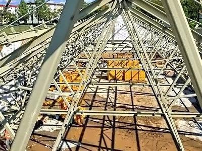 budowa biedronki 11